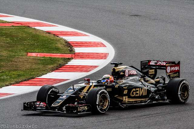 Romain Grosjean driving for Lotus in 2015
