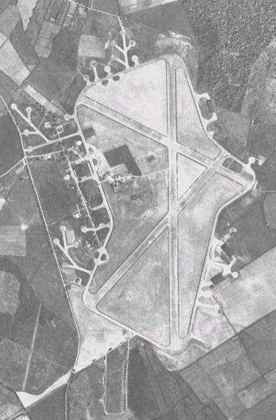 RAF_Silverstone_1945